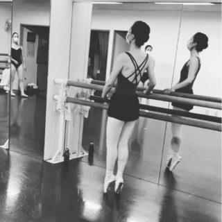あれも駄目 これも駄目 いったい何ならいいの? 今 自分時間をどう過ごすか 楽しい事を見つけよう #荒井文恵バレエ教室 #ため息 #がんばろう #大人の自分時間 #趣味 #大人バレエ #大人からバレエ #夢 #トゥシューズ
